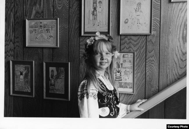 Паўліна Сурвіла ў 1972 у Беларускім рэлігійна-грамадзкім цэнтры ў Таронта, на выставе сваіх твораў